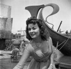 Anne Heywood.JPG